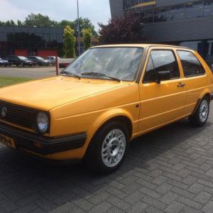 poetsen buitenzijde VW Golf
